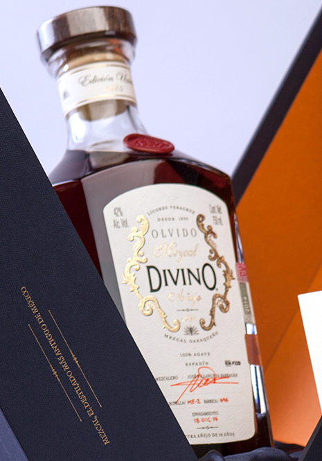 "Oaxacan Mezcal 100% Agave Sprat, ""Olvido Divino""  30 Years of Aging"
