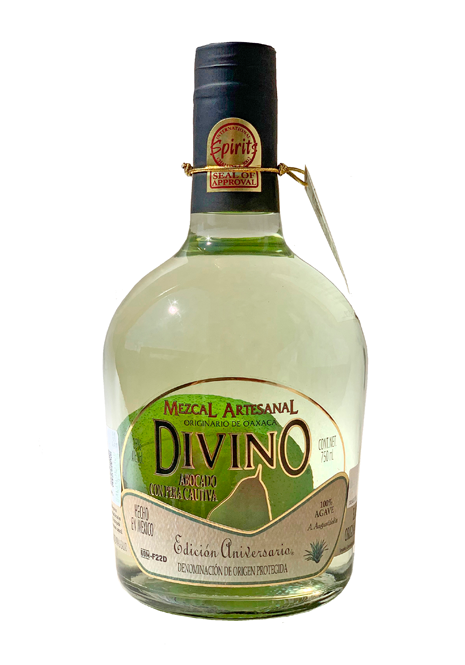 Divino Handmade Mezcal With Pear Captive